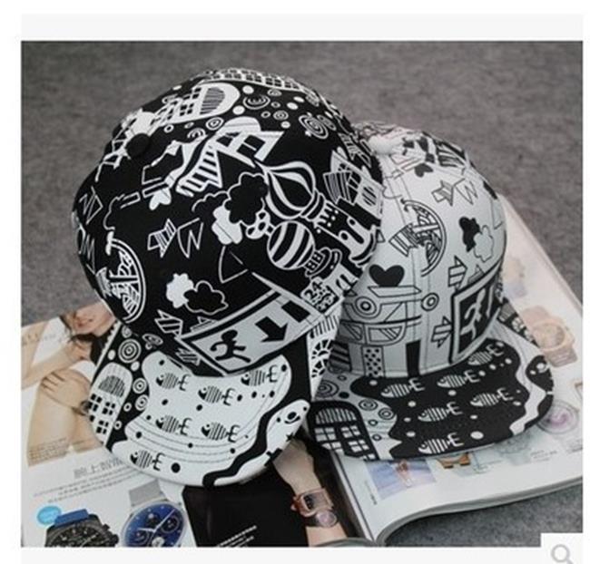 50%OFF SHOP【C019445H】韓版塗鴉嘻哈棒球帽子潮男女黑白色學生帽防曬帽夏日青少年平沿帽 - 限時優惠好康折扣