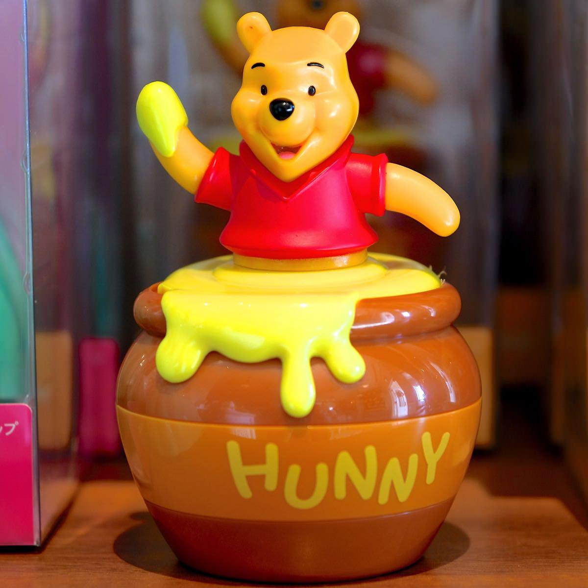 X射線【C108003】日本東京迪士尼代購-小熊維尼Winnie the Pooh 鍵盤除塵擺飾,吸塵器/小掃把掃帚/辦公桌面清潔/浴室地板/鍵盤刷