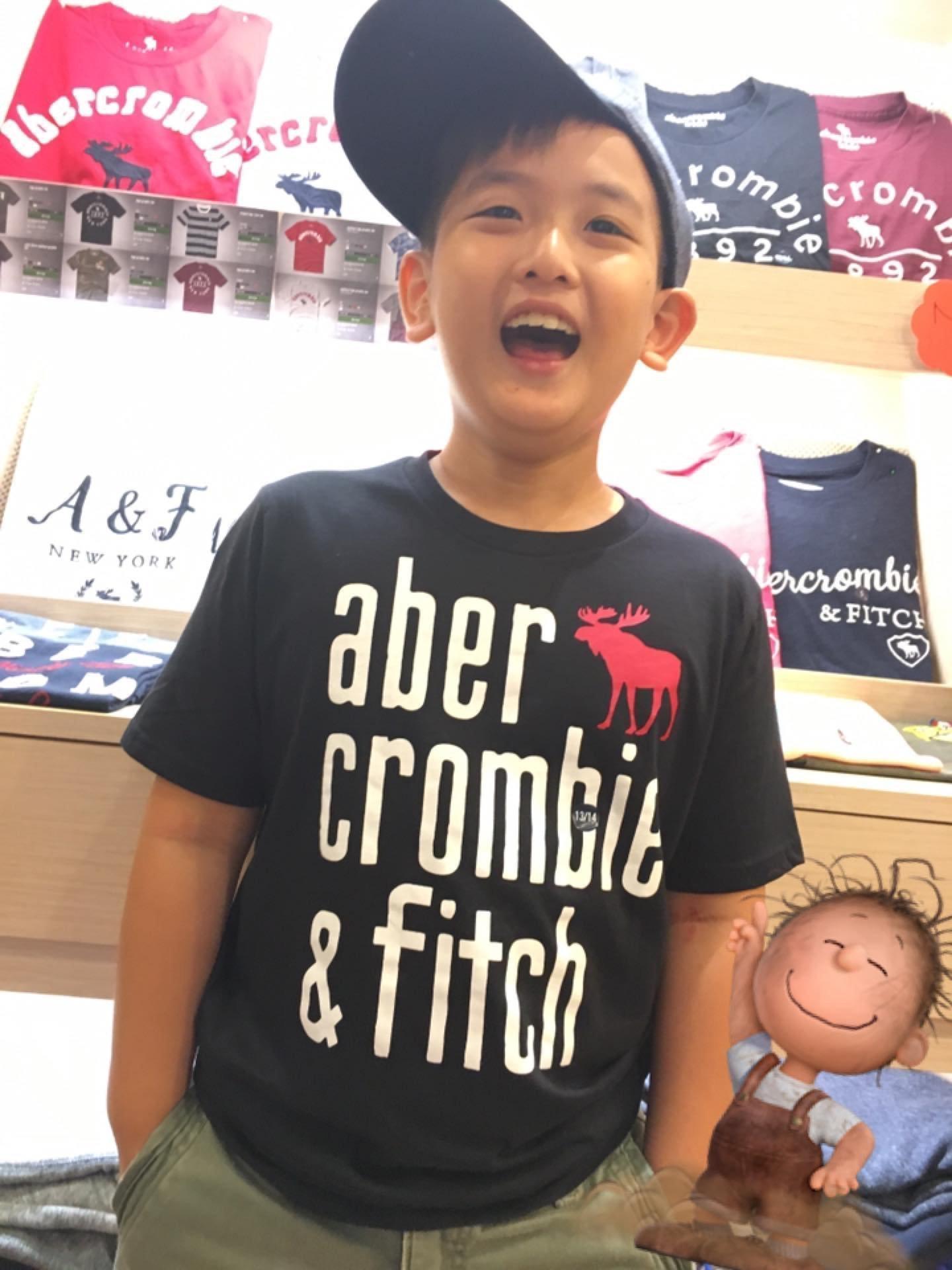 A&F 秋冬新款 男生 黑色短Tee短袖 Abercrombie & Fitch AF