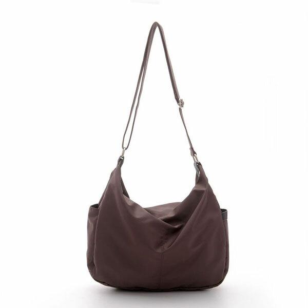 《ATTi TUDE》時尚經典側背包(咖啡色),側背包,13105-012001-8805,ATTi TUDE