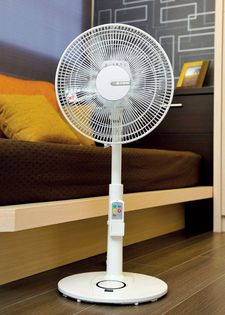 艾美特12吋遙控立地電扇 AS3083R 3段風量調節 6小時預約定時 馬達保固10年