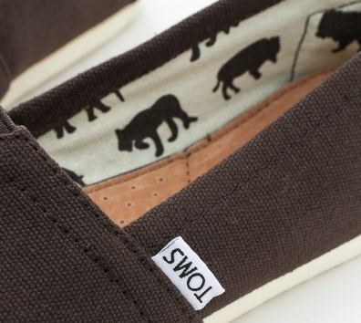 【TOMS】可可色素面基本款休閒鞋  Chocolate Canvas Women's Classics 5