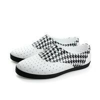 native 輕量懶人鞋、休閒防水鞋到native JERICHO 洞洞鞋 白黑色 女鞋 no532