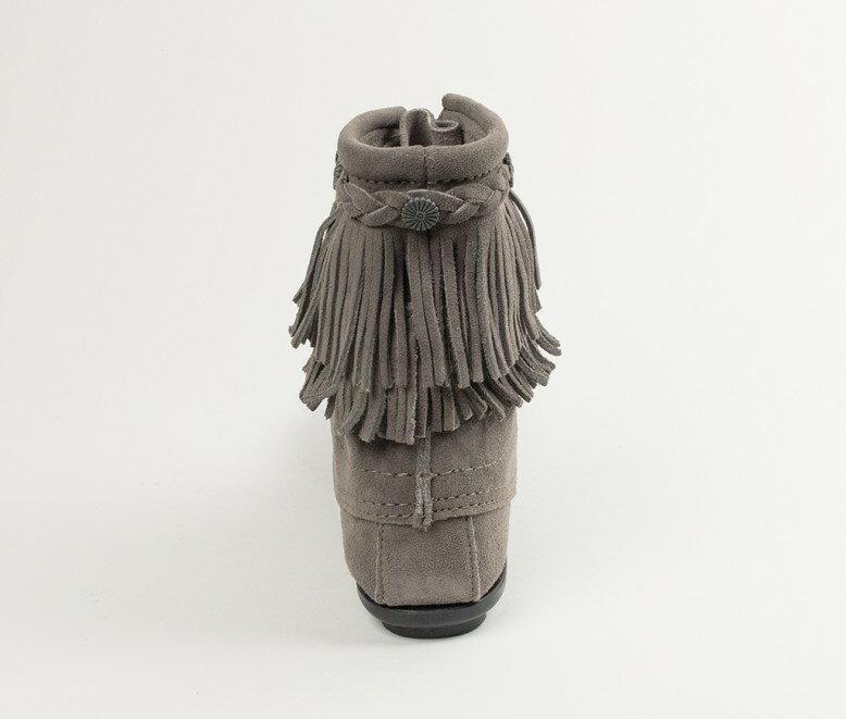 【Minnetonka 莫卡辛】灰色-純手工雙層流蘇短靴 4