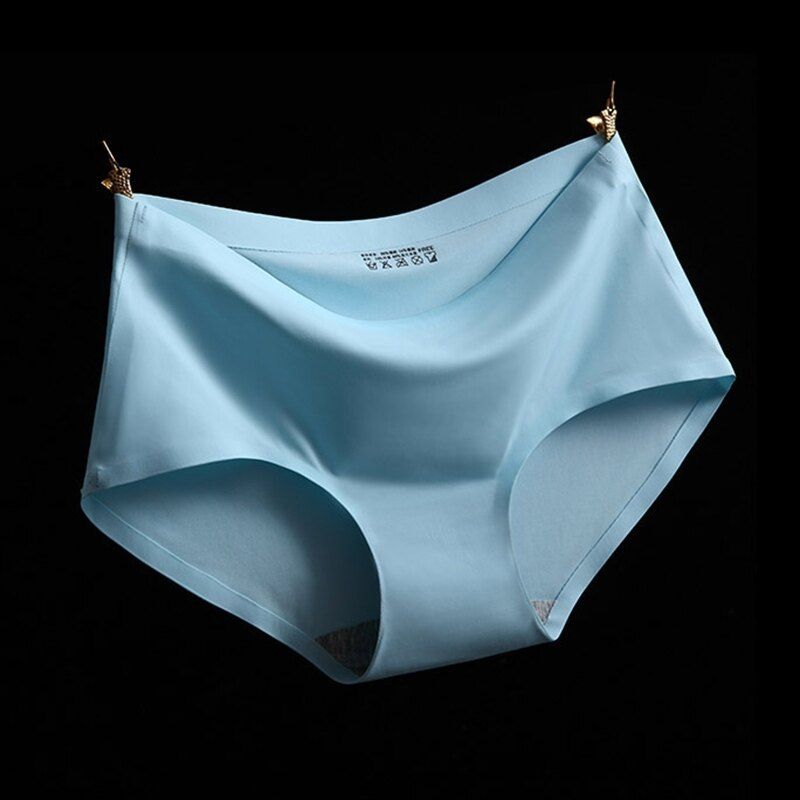 317196#A4天藍 M冰絲無痕中腰純色性感女仕內褲 中大尺碼 # 一片式