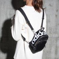 Adidas愛迪達,adidas愛迪達後背包推薦到KUMO SHOES-Adidas Mini Classic Backpack 黑色 後背包 雙肩 輕便 DH4373