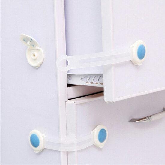 ♚MY COLOR♚櫃門抽屜加長安全鎖(兩入) 兒童 防護 冰箱 櫥櫃 鎖扣 防夾 掉落 保護 黏貼【N75】