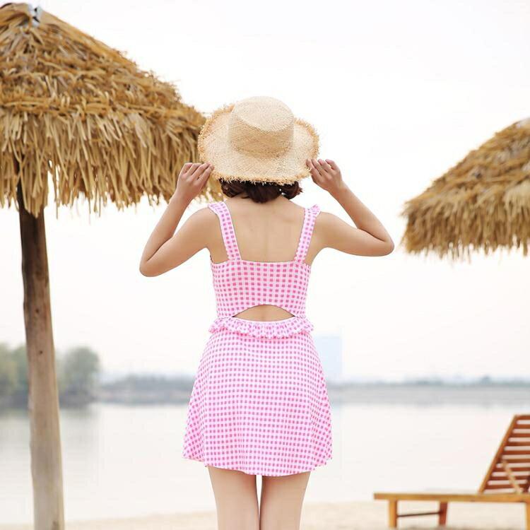 格子連體泳衣女裙式顯瘦遮肚小胸聚攏保守平角小清新溫泉游泳衣夏季新品 五一特惠
