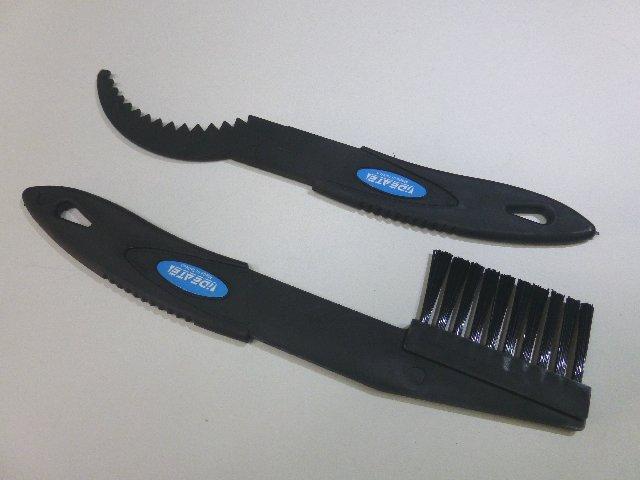 《意生》一組2件齒盤飛輪清潔刷組 單車清潔刷子齒盤刷子飛輪刷子鏈條刷子洗鏈刷洗鏈器洗鏈器配件洗車刷子