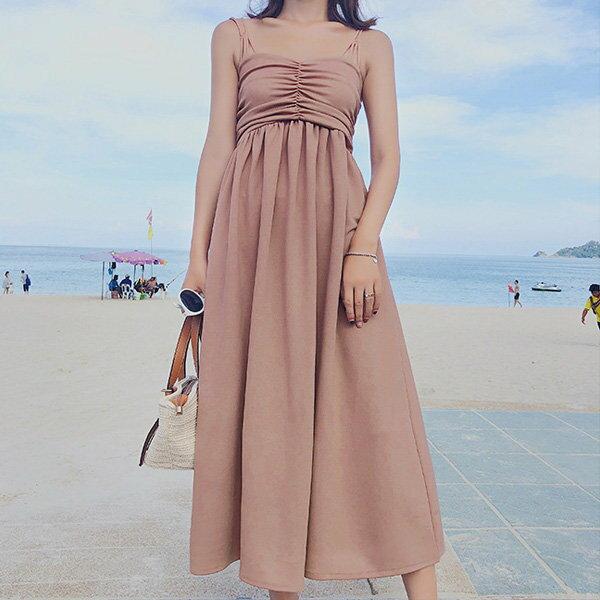 細肩帶洋裝素色鬆緊抓皺長裙時尚細肩帶洋裝連身裙【NDF6499】BOBI0510