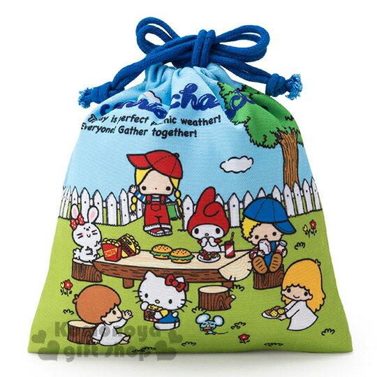 〔小禮堂〕Sanrio大集合 棉質束口袋《藍.野餐.樹.白圍牆》Sanrio70年代人物系列