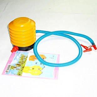 淇淇婦幼館【QQ033】腳踏式充氣筒,歡迎跟賣場的其他充氣玩具一起帶喔(生活館)