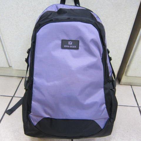 ^~雪黛屋^~HWA GUAN 超輕透氣平板後背包 防水尼龍布外出上學郊遊多 萬用包HG1