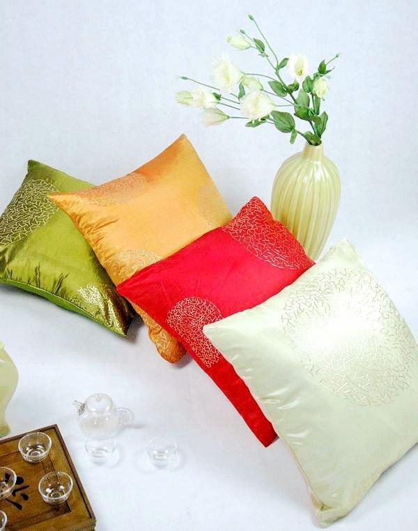 《喨晶晶生活工坊》傢飾~復古風 絲質金花紅色抱枕套/靠枕套 45*45CM ↘$75元