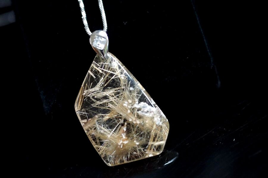 【喨喨飾品】鈦晶自然型墜 純銀墜子頭 象徵財富水晶。S304