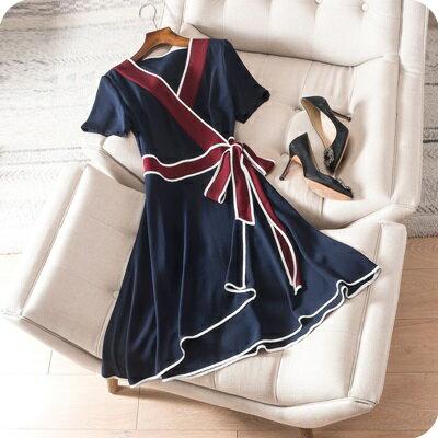 連身裙短袖連衣裙-青春洋溢撞色V領綁帶女上衣73sz13【獨家進口】【米蘭精品】