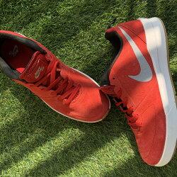 『現貨下殺5折』Nike SB 麂皮膠底紅休閒訓練多功能鞋 下殺五折球鞋 US9號 新品限量