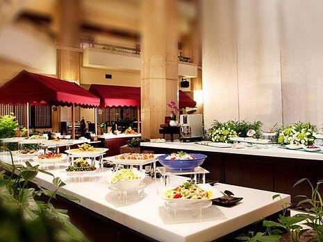 台北福華飯店聯合餐券可用1F彩虹座平日下午茶兩客或4F羅浮宮假日午晚餐一客