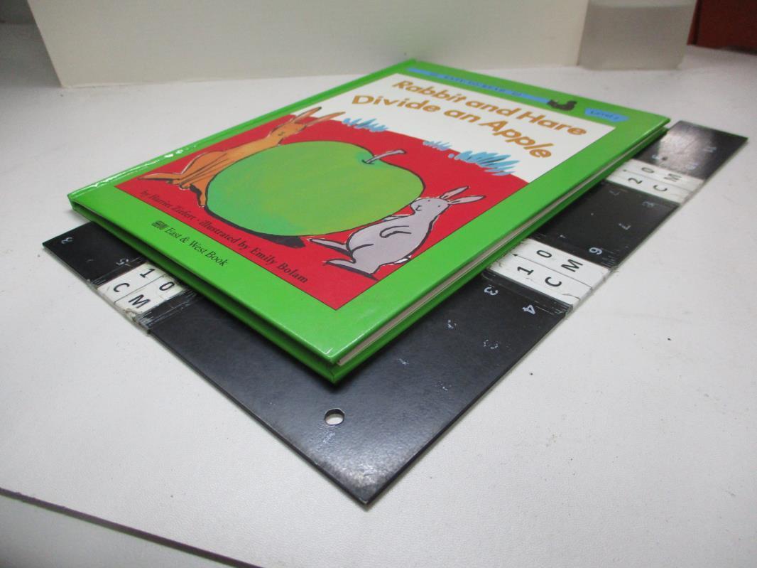 【書寶二手書T1/少年童書_EA4】平分一個蘋果_精平裝: 精裝本