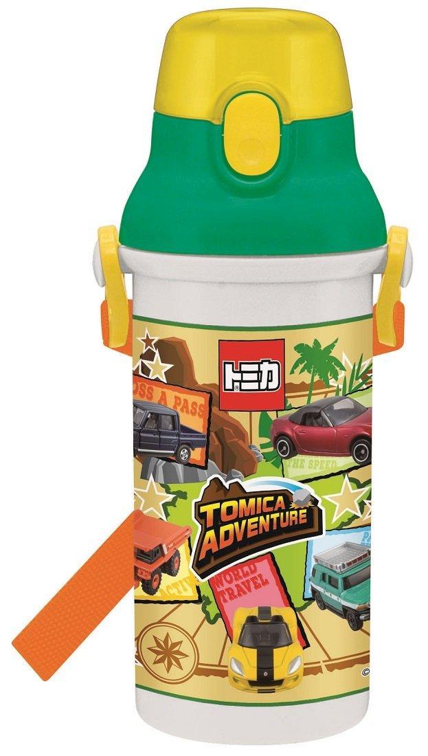 X射線【C360374】Tomica 直飲式背帶兒童塑膠水壺(480ml),彈蓋水瓶/隨身瓶/飲水壺/外出水壺/防漏/單手操作
