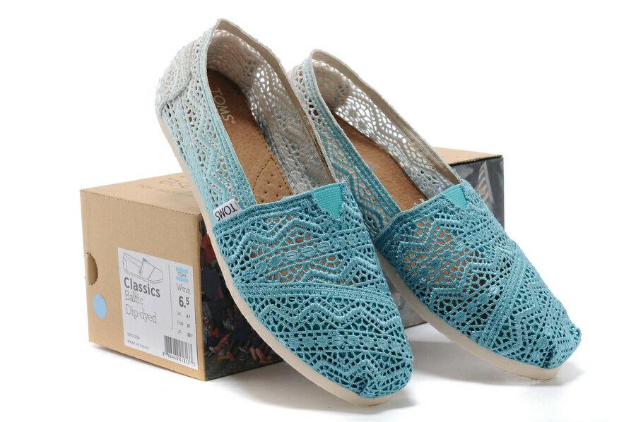 【TOMS】藍色漸層蕾絲平底休閒鞋  Zig Zag Crochet Baltic Dip-Dyed Women's Classics 5