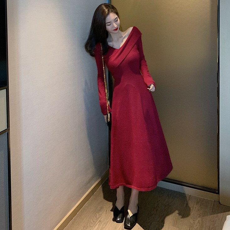 秋冬新款V領收腰顯瘦氣質裙子長袖打底中長裙針織連衣裙女裝