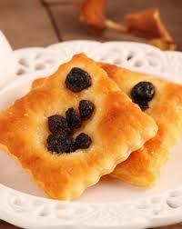 有樂町進口食品 日本三立德用葡萄派乾 葡萄乾 層疊的配派餅 葡萄香氣迷人 1