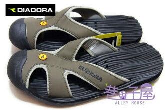 【巷子屋】義大利國寶鞋-DIADORA迪亞多納 男款護趾排水運動拖鞋 [9011] 卡其 超值價$298