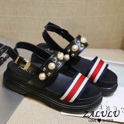 ZALULU愛鞋館 EE021 現貨出清 韓版珍珠平底露趾美腿涼鞋-黑35