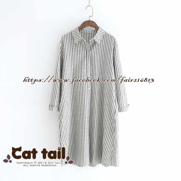 《貓尾巴》LZ-02945簡約豎條紋木扣長袖連身裙(森林系日系棉麻文青清新)