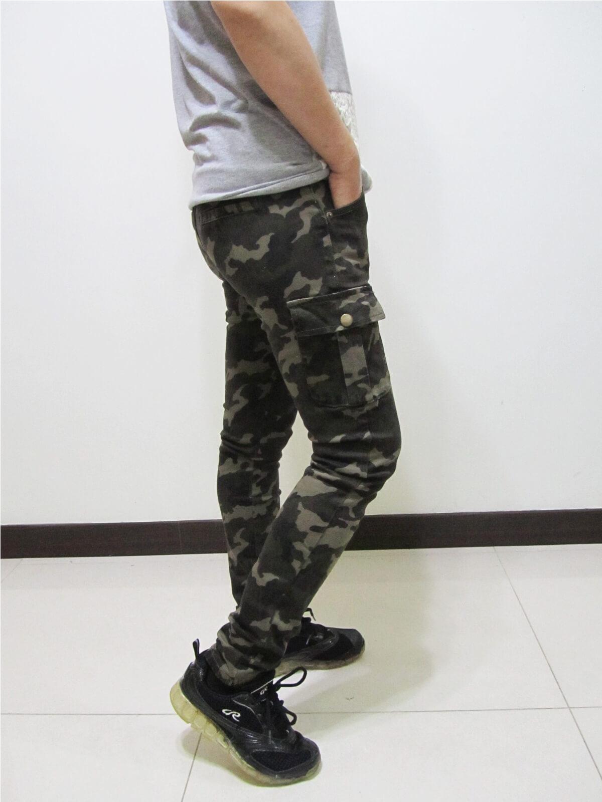 sun-e迷彩長褲、彈力中底腰長褲、休閒迷彩長褲、迷彩工作褲、多口袋長褲、二側側貼袋長褲、合身長褲、休閒長褲、腰圍有皮帶環(褲耳)、褲檔有拉鍊(092-6987-12)軍綠 腰圍:S M L XL(26~33英吋)(女) 1