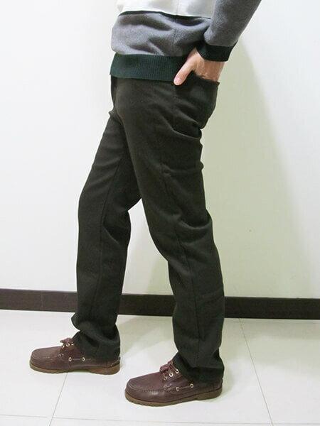 厚刷毛中直筒保暖長褲 熱銷保暖刷毛褲 牛仔褲版型保暖褲 彈性休閒長褲 腰圍有皮帶環(褲耳) 褲檔有拉鍊 黑色長褲(307-7030-10)墨綠(7029-21)黑色 腰圍:M L XL 2L 3L 4L 5L(28~41英吋) [實體店面保障] sun-e 4