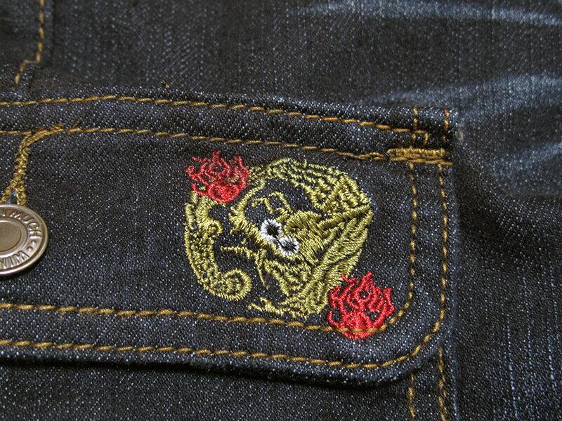 sun-e加大尺碼側貼袋彈性牛仔長褲、大尺碼伸縮立體工作褲、多口袋長褲、貓爪刷白牛仔褲、側貼袋丹寧、休閒牛仔褲、單寧長褲、側貼袋車繡龍圖案、腰圍有皮帶環(褲耳)、褲檔有拉鍊、黑色牛仔褲(307-7167-21)黑色 腰圍:M L XL 2L 3L 4L 5L(28~41英吋) [實體店面保障] 9