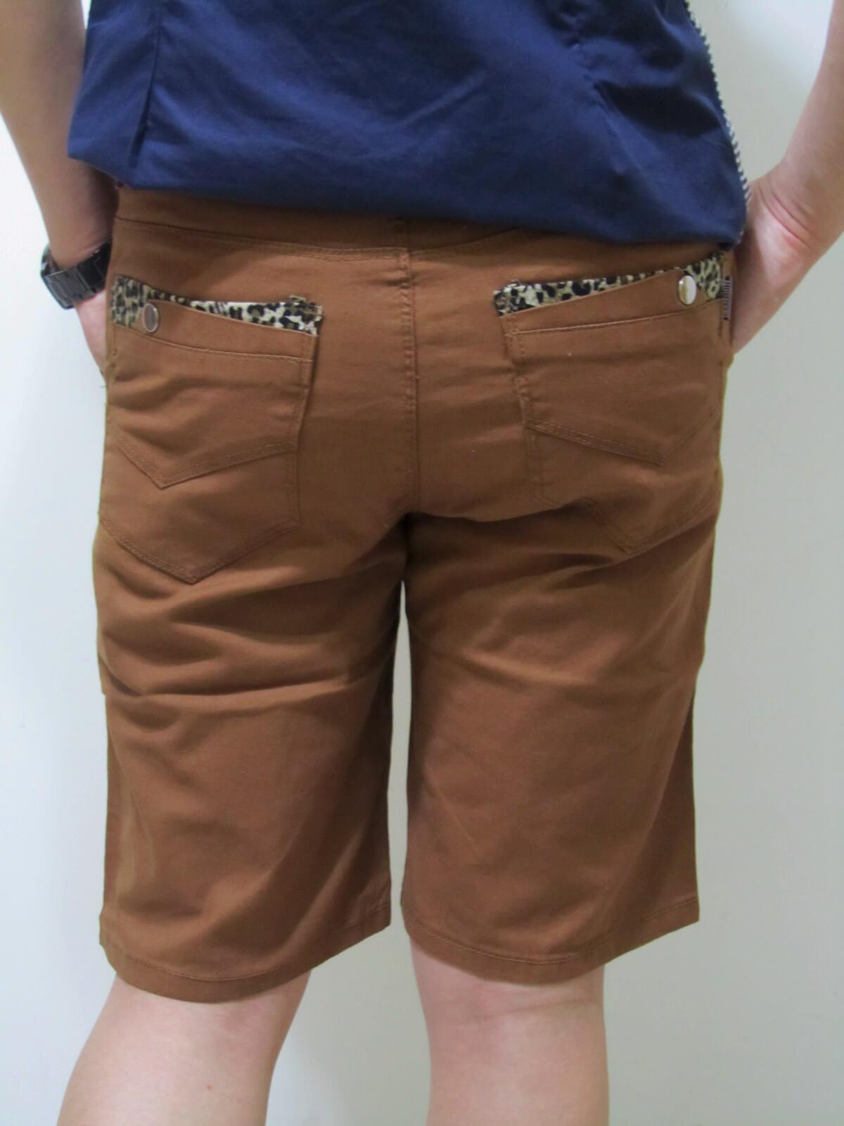 sun-e流行色褲短褲、口袋袋緣豹紋紋路滾邊、休閒短褲、腰圍有皮帶環(褲耳)、褲檔有拉鍊、咖啡色短褲(321-5176-19)咖啡 腰圍:M L XL 2L 3L(28~37英吋) 2