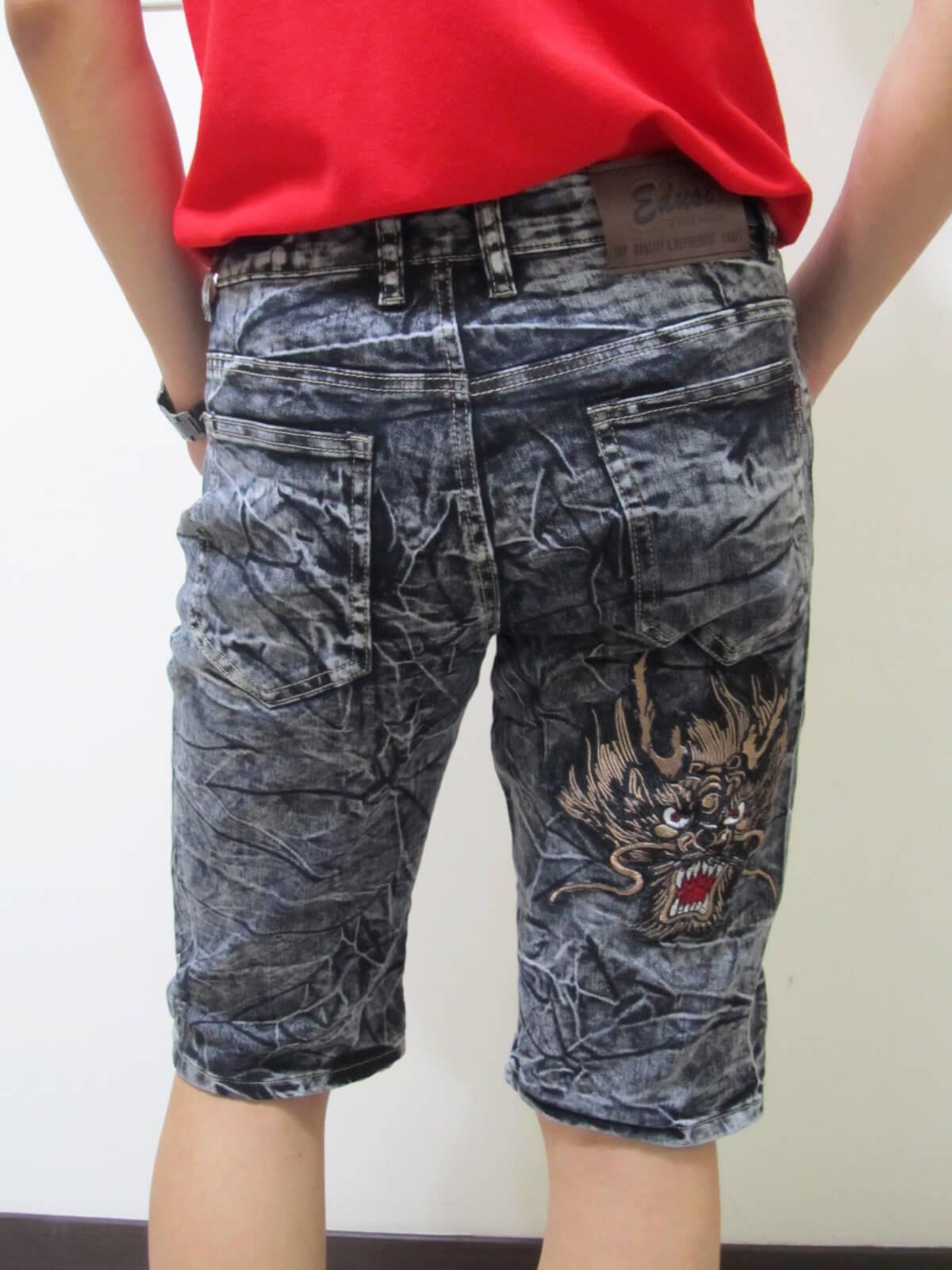 sun-e牛仔六分褲、繡龍頭圖樣、砂洗水波紋彈力六分褲、休閒牛仔褲、休閒六分褲、牛仔短褲、六分丹寧短褲、超輕量、腰圍有皮帶環(褲耳)、褲檔有拉鍊、黑色六分褲(329-3815-21)黑 腰圍:M L XL 2L 3L 4L(28~39英吋) 2