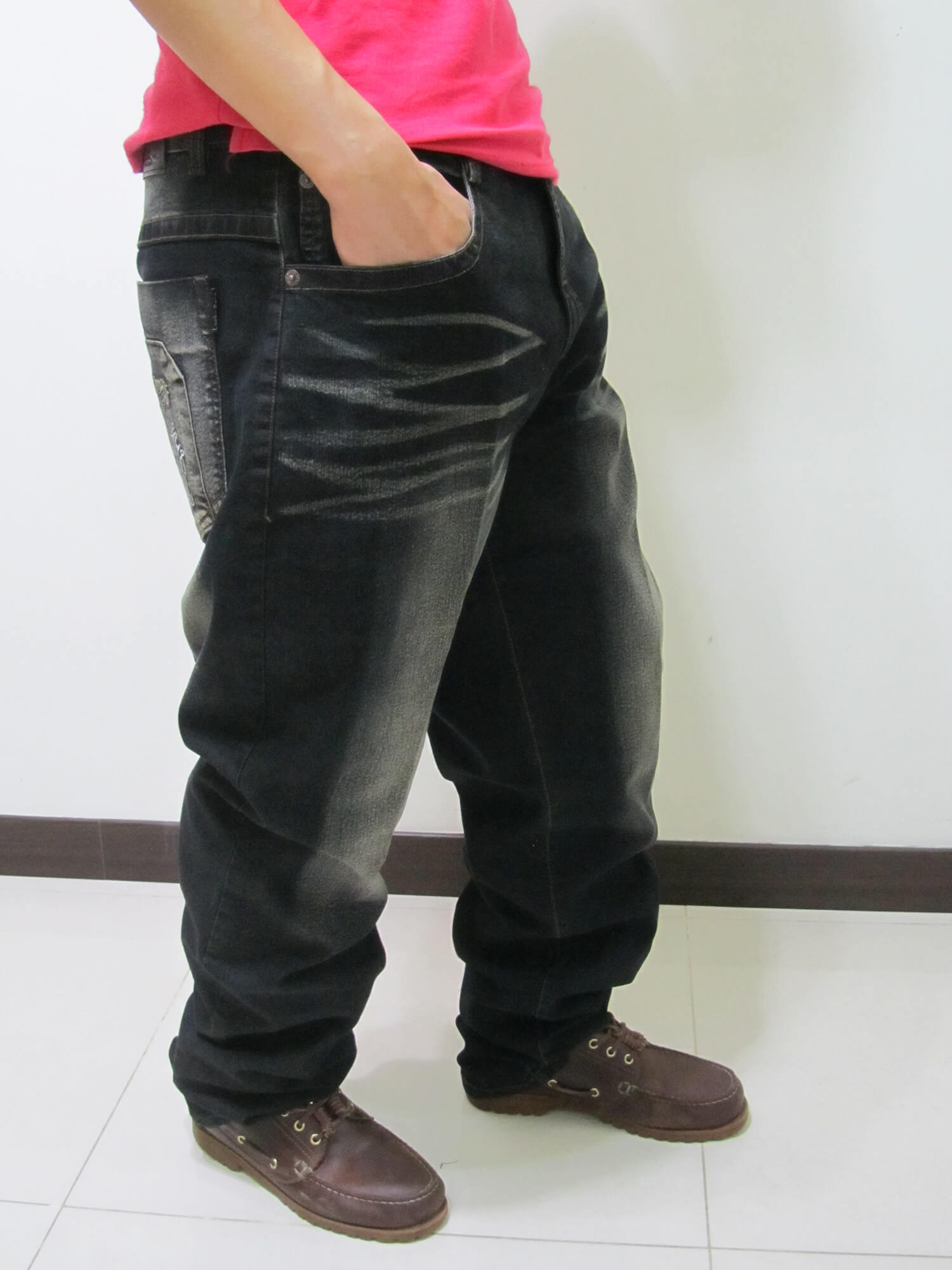 sun-e加大尺碼台灣製造復古.後口袋日系和風繡圖牛仔直筒長褲、加大尺碼黑色牛仔褲、加大尺碼牛仔長褲、加大尺碼單寧長褲、加大尺碼褲子、(390-1388-37) 腰圍:40 42 44 46 48(英吋) 2