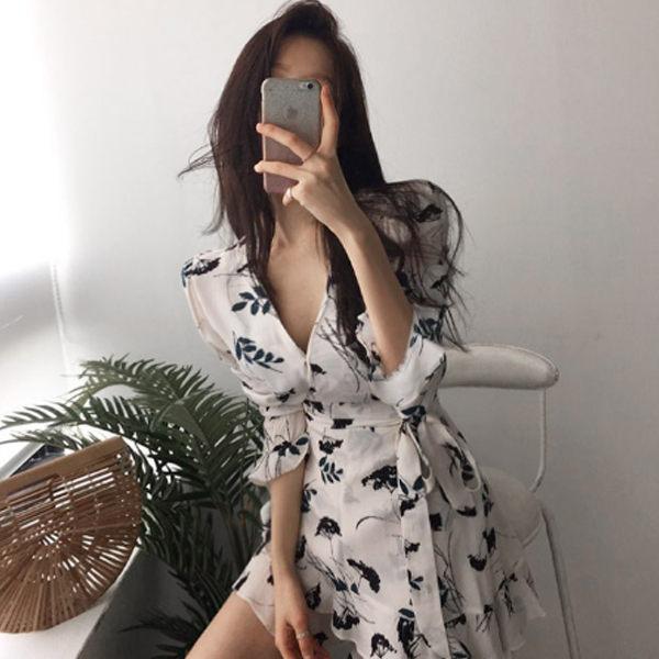 PS Mall  性感V領收腰碎花短款連身裙 洋裝【T1501】 1