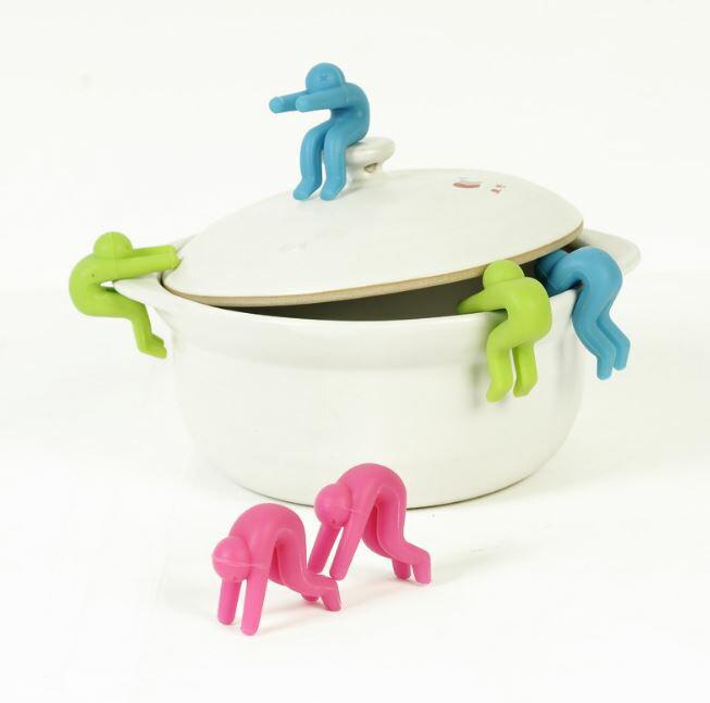【省錢博士】鍋蓋防溢器矽膠小人抬高防止湯水溢出架(一組兩入) 29元