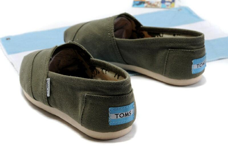 【TOMS】橄欖綠色素面基本款休閒鞋  Olive Canvas Women's Classics 5