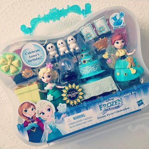 ~~孩之寶 Disney迪士尼~Frozen 冰雪奇緣迷你公主及情境組~驚喜連連慶典 美國