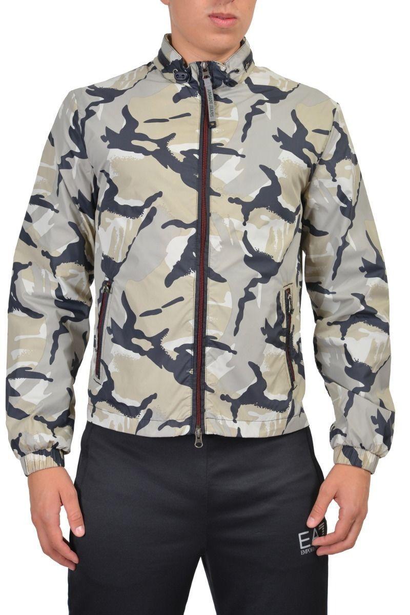 Джинсы и куртка одного цвета