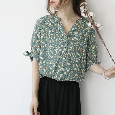 日系女裝印花小V領開衫繫帶短袖復古襯衫樂天時尚館。預購。[全店免運]