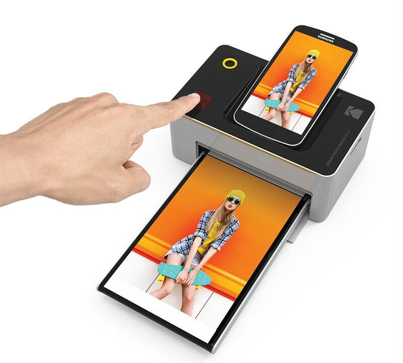 ▼限時加贈40張相片紙含墨盒▼ KODAK 柯達 PD-450W 隨身相片印表機(公司貨) 照片防水、防指紋、永久保存 4X6規格 口袋型相片打印 (親子紀念、滿月照片、情侶紀念) 就靠這台搞定