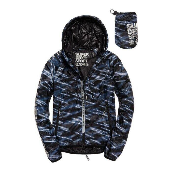 跩狗嚴選 極度乾燥 Superdry Core Effect 超輕薄夾克 運動外套 風衣 透氣 反光Logo 藍黑破折 防曬