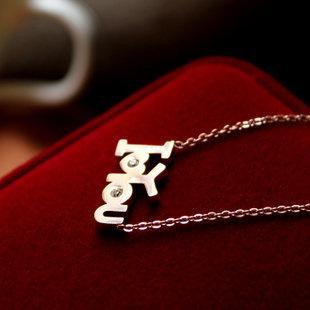 新款 我愛你鑲鑽彩金字母項鏈短女鈦鋼鍍14K玫瑰金頸鏈吊墜