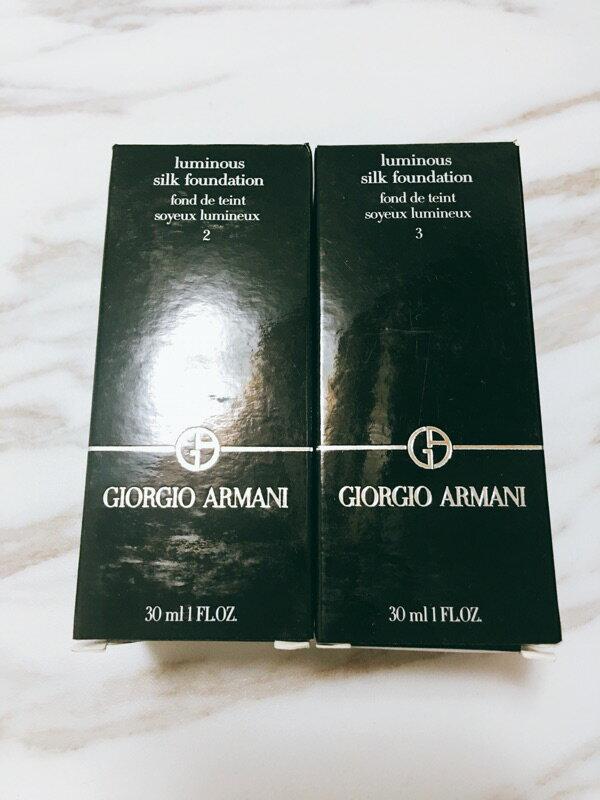 Giorgio Armani 亞曼尼 GA 無瑕絲光防曬粉底《小乖小舖》