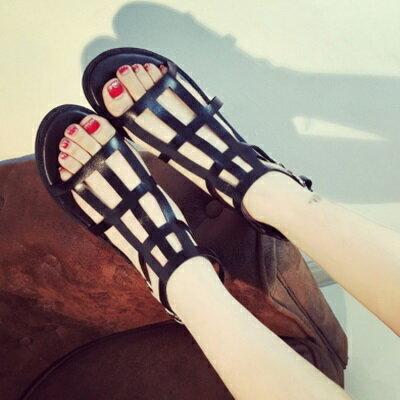 ~平底鞋鏤空羅馬涼鞋~ 大方俐落女鞋子2色73ey14~ ~~米蘭 ~