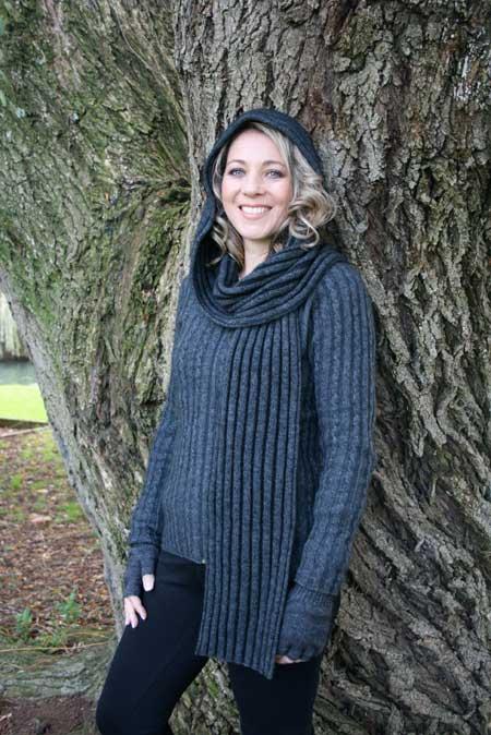 紐西蘭貂毛羊毛連帽圍巾_炭灰X黑