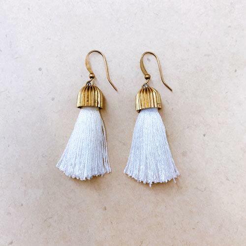 (預購+現貨)黃銅白流蘇垂墜夾式耳環針式耳環(矽膠夾)【2-17154】