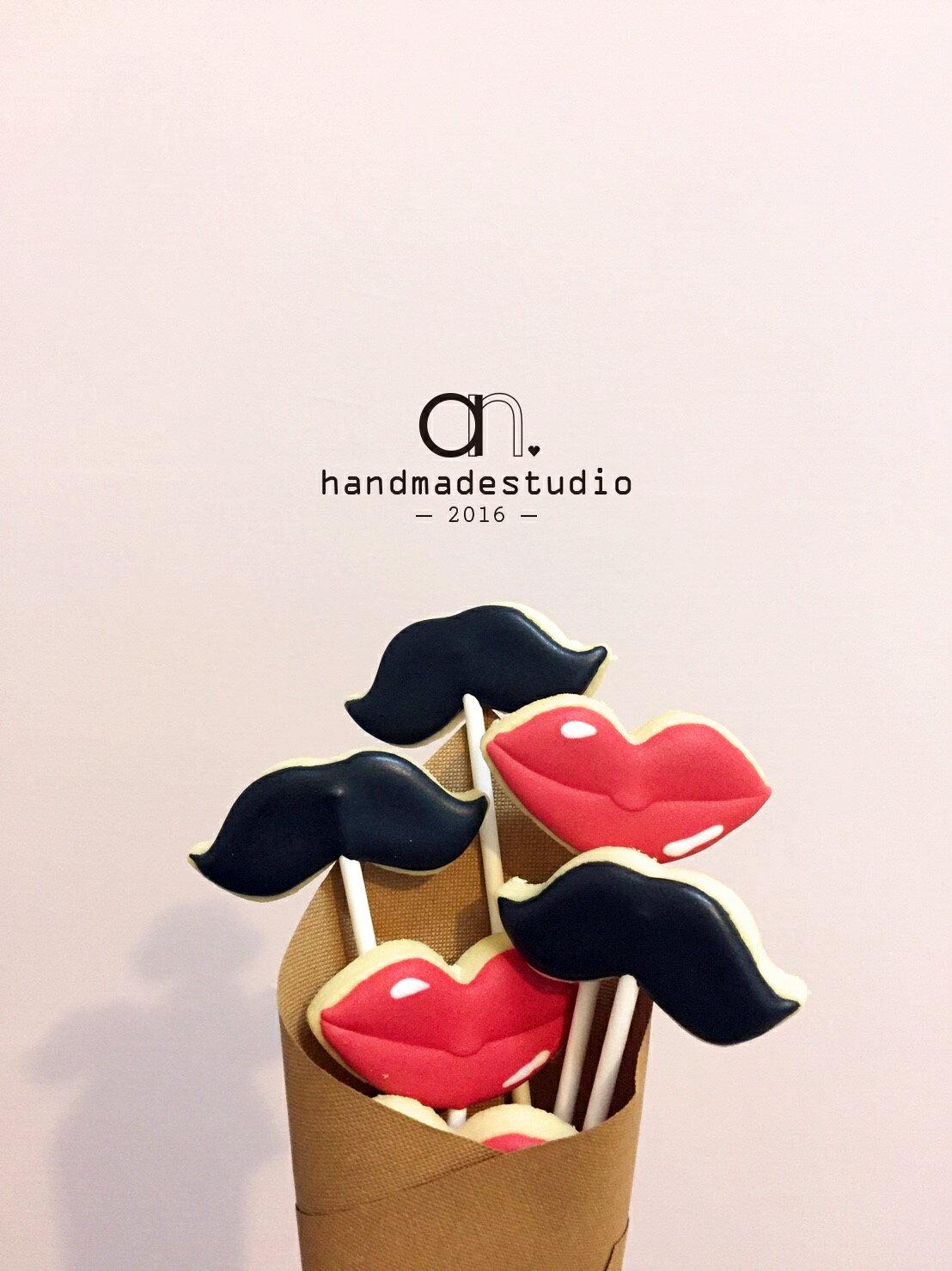 婚禮小物-鬍子先生與紅脣小姐浪漫棒棒糖霜餅乾(10支) by anStudio 0